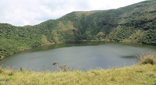 mt bisoke crater lake